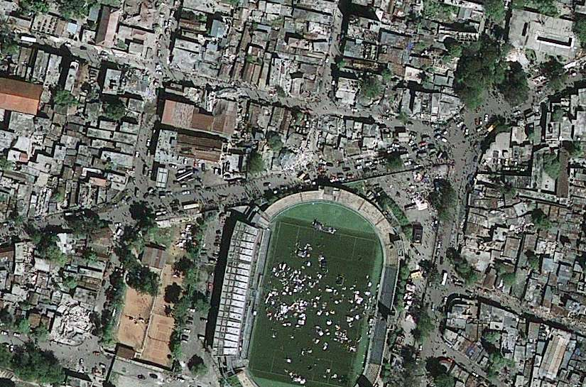 Satellite images of haiti earthquake at port au prince hi res haiti stade sylvio cator 825x5502 gumiabroncs Images